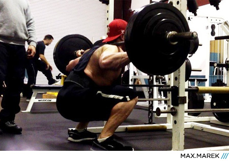man+squat