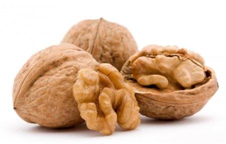 walnuts-and-shells.jpg