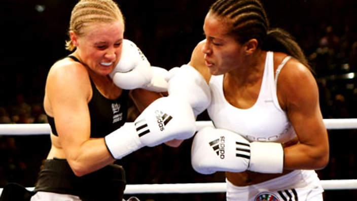 site_1_rand_966682450_womens_boxing_090813_b_getty.jpg