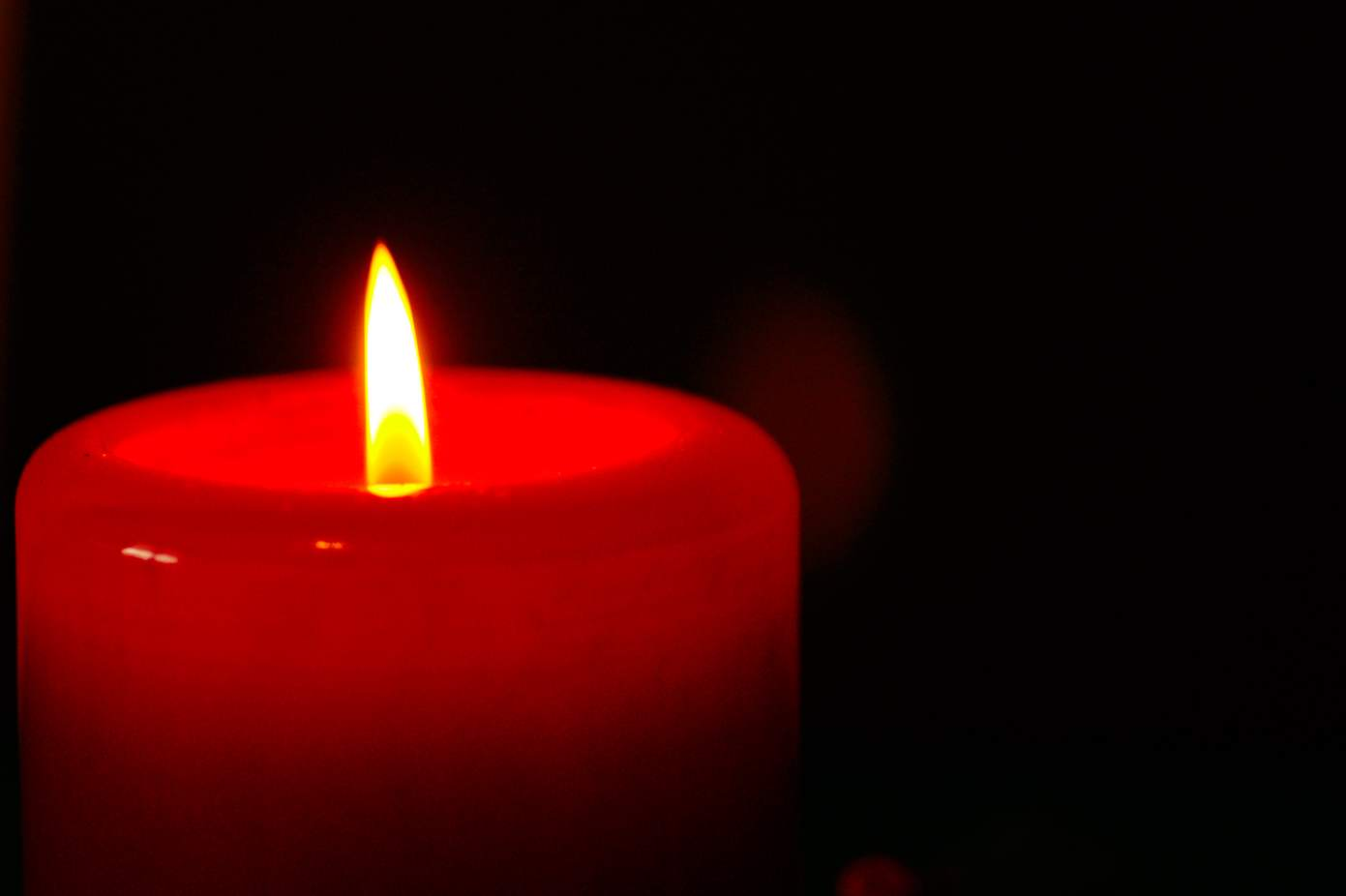 red-candle.jpg